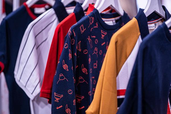 Marché-des-Modes-Maisons-de-Mode-Vêtements